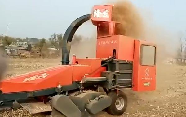 视频工作:四平隆发机械9YF-2.2秸秆饲料方捆打捆机