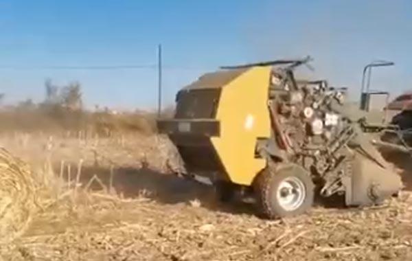 视频工作:四平隆发机械9YJ-1.3锤抓园包打捆机